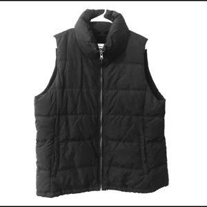NWOT Black Puffer Zip Up Vest Size XL